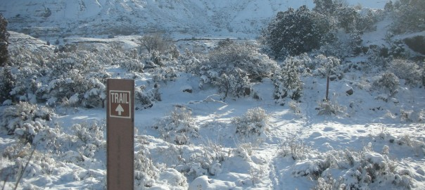 hiking echo canyon in winter snow